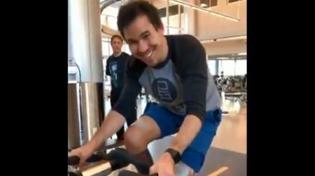 ウィッケンス、自力でスピンバイクを漕げるレベルまで回復