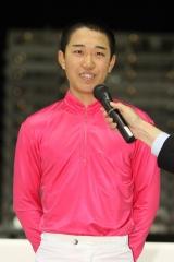 181126 櫻井光輔騎手 2018YJSFR 応援式-01