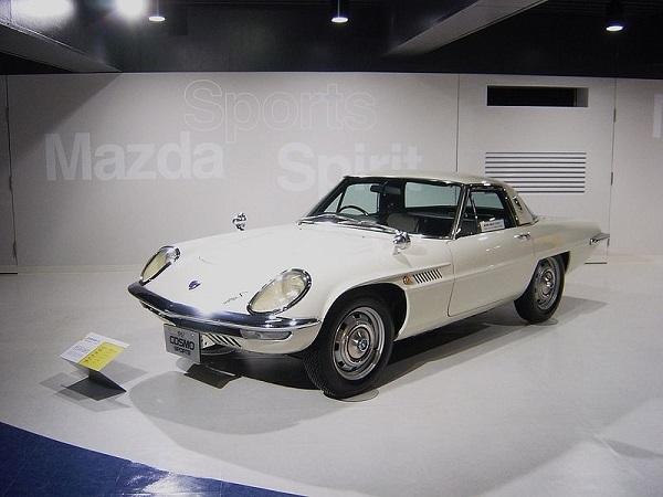 800px-Mazda_cosmo_sport.jpg