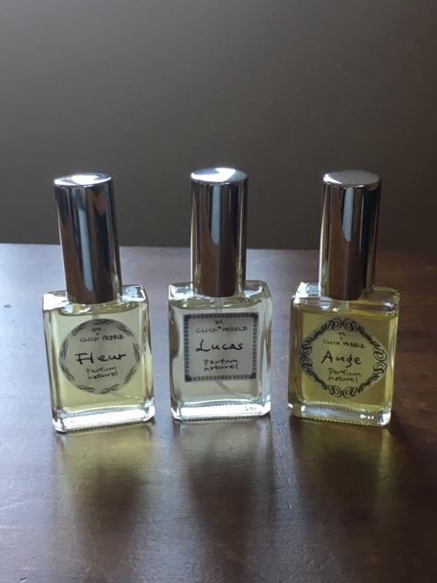 香水瓶3つ