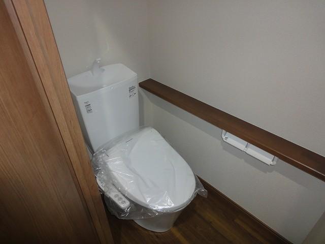 手洗い付きシャワートイレ