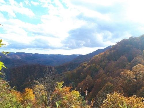 天狗峠付近から見た紅葉