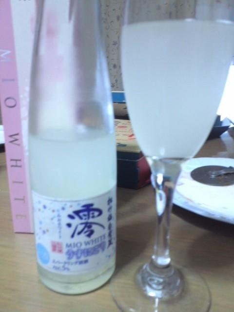 松竹梅白壁蔵「澪ホワイト」 春限定