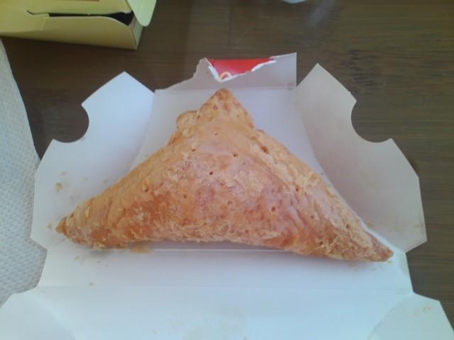 マック 三角チョコパイいちご