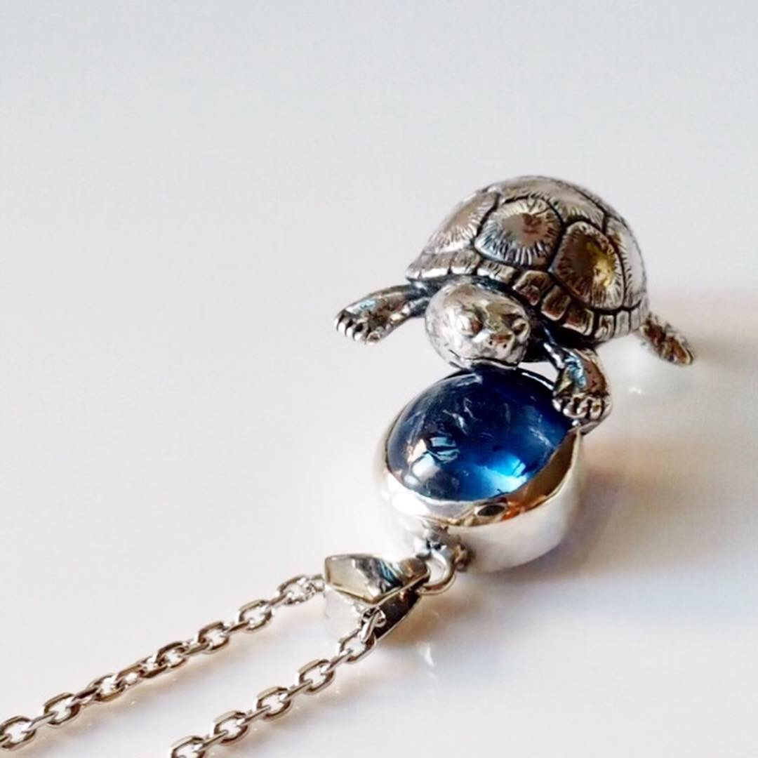 ORDER亀のカイヤナイトペンダント