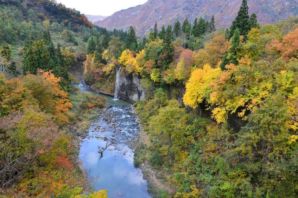 渓谷の秋-1