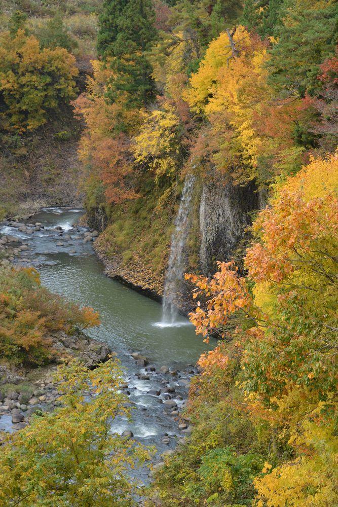 渓谷の秋-3