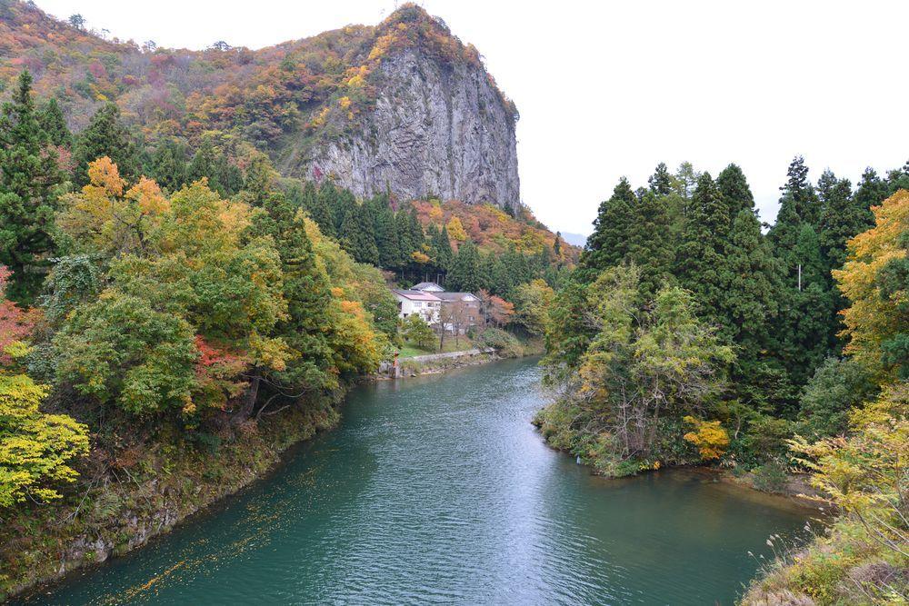 渓谷の秋-6