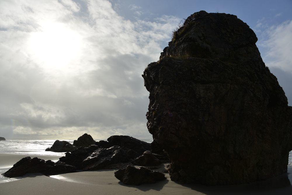 冬の海へ 岩-2
