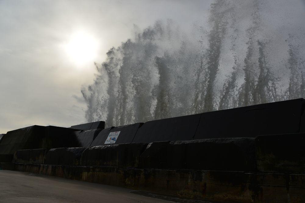 冬の防波堤-3