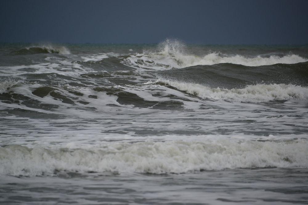 冬の波-2