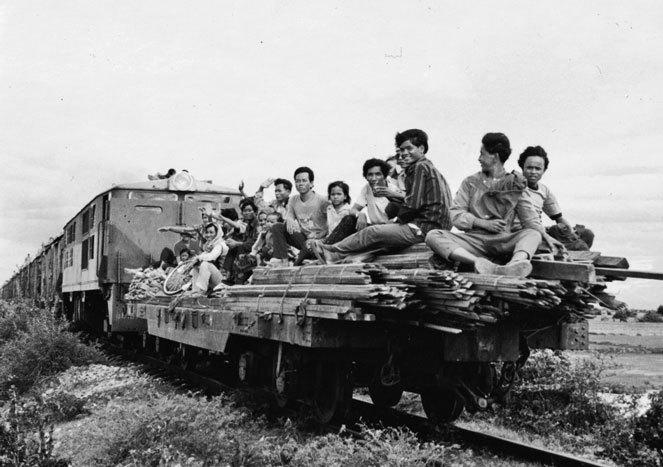 地雷原を往く混合列車