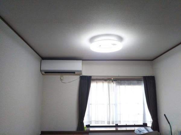寝室の照明 コイズミLEDリング型シーリングライト BH14703C (1)