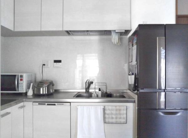 システムキッチン 壁付け 100均 セリア キャンドゥ ダイソー 白黒 イメージ