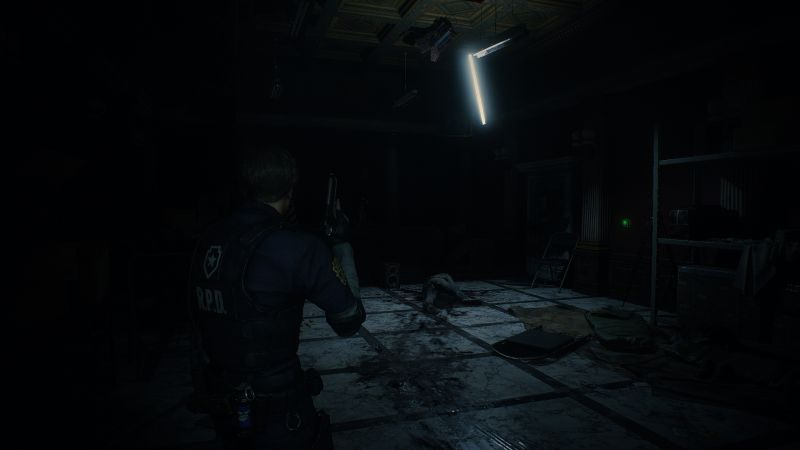 Steam 版 バイオハザード RE:2 色空間・明るさ設定の違い、色空間 Rec.709、最高輝度調整・最低輝度調整・明るさ調整 変更済み、警察署内 - プレスルームのスクリーンショット