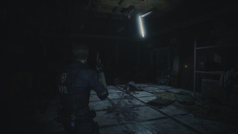 Steam 版 バイオハザード RE:2 色空間・明るさ設定の違い、色空間 Rec.709、明るさ調整 すべてデフォルト、警察署内 - プレスルームのスクリーンショット