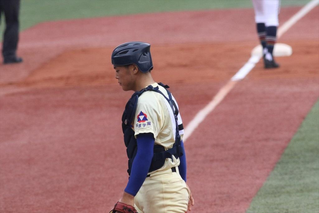 大塚君が二盗、捕手の悪送球で三進_3