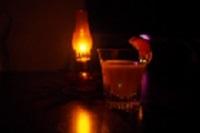 飲み物-カクテルとオイルランプ