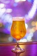 飲み物-ビールと夜景