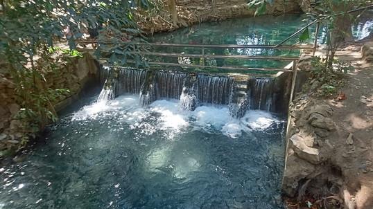 Spring water pound (6)
