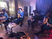 ギターレッスン シルクロードカフェ