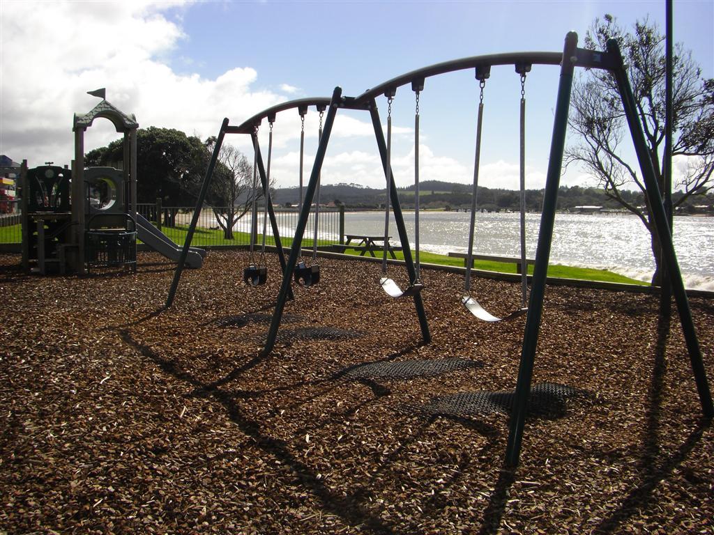 playground1.jpg