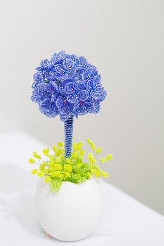 紫陽花トピアリーとミモザ