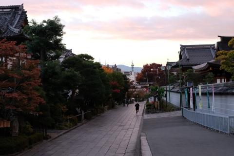 32早朝の善光寺参道