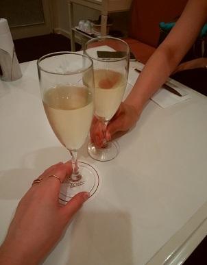 ペトレア 乾杯