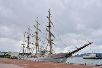 海王丸(1)
