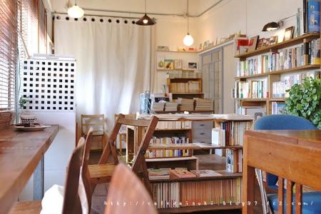 Books&Cafe コトウ◇店内