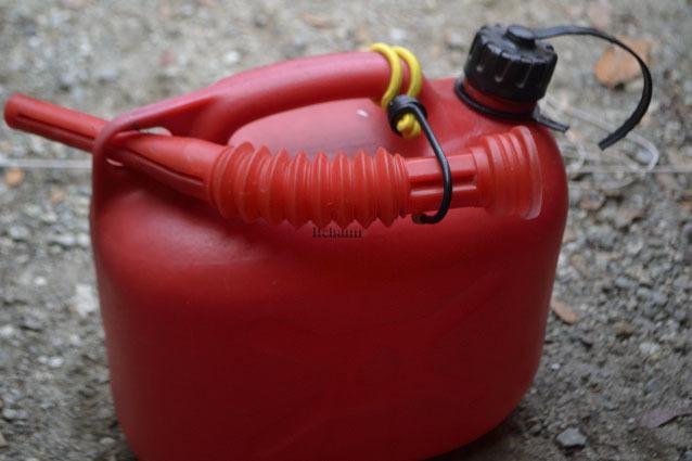 何がなんでもキャンプだし ヒューナースドルフ Hunersdorff 灯油タンク 暖房 熱源 調理 燃料統一 安い トレファク 新品