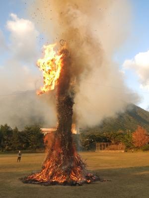 190107-110=19ONA鬼火焚き,鬼の絵炎上 aONAグラウンド