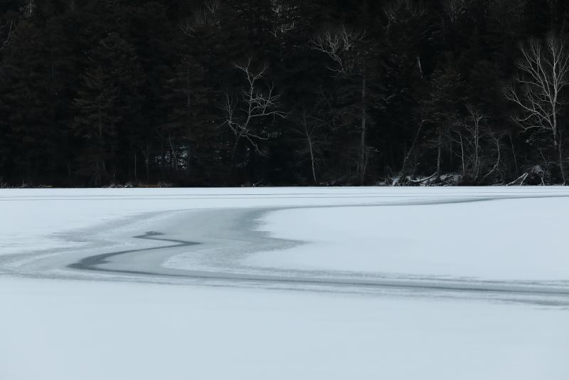 018A9399 湖面