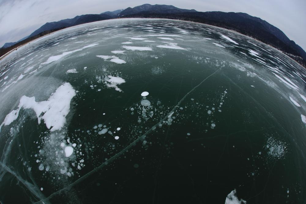 5164 エメラルドグリーンの湖氷