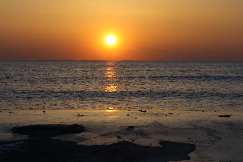 5529 海で見た日の出