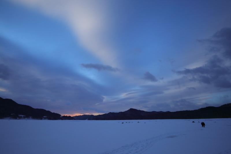 6283 雪原の糠平湖