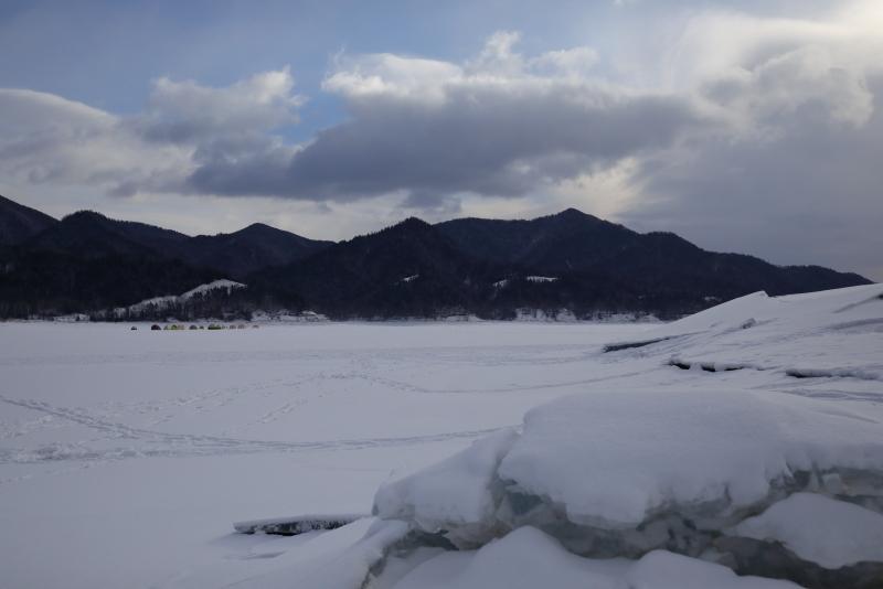 6359 ワカサギ釣りテント雪原