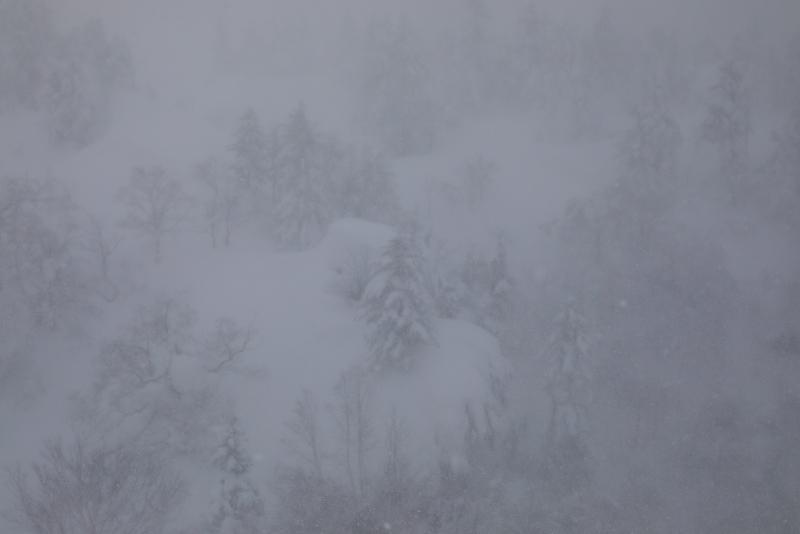 6727 吹雪の中で