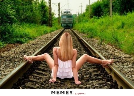 0122girl-train