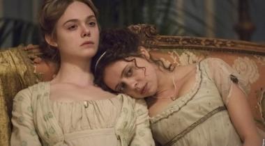 『メアリーの総て』 メアリーとクレア・クレモント(ベル・パウリー)。ふたりは詩人パーシーと一緒に暮らすことに……。
