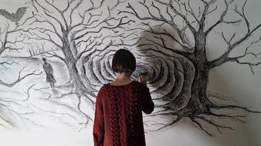 『シシリアン・ゴースト・ストーリー』 ルナ(ユリア・イェドリコフスカ)が描いた絵。ただこうした幻想的なアイテムもあまり活かされてはいなかったような……。