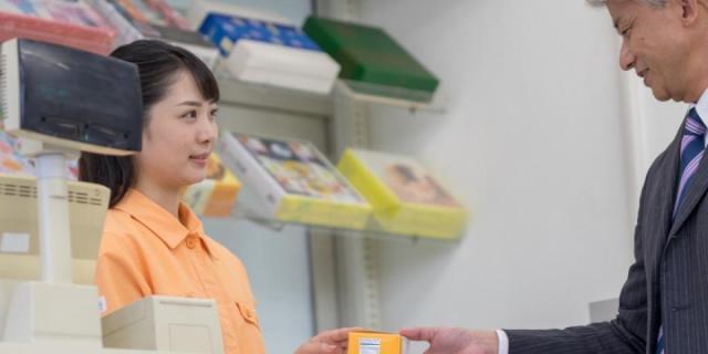 【ニュース解説】コンビニ女性店員に自分の股間を触らせるセクハラ…笑顔で対応は「同意」ではない 最高裁で逆転敗訴