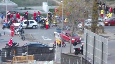 【スゴイ!】サンタがバイクに乗って集結!