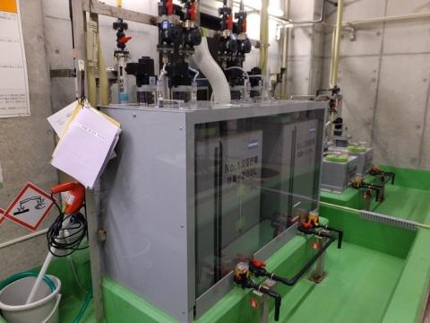 イタリー浄水場内次亜塩素酸ソーダ注入装置