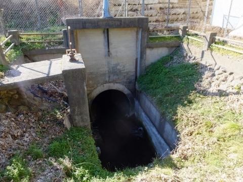 西部用水白根隧道入口