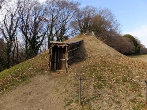 勝坂遺跡公園竪穴住居