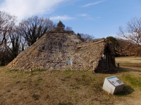 勝坂遺跡公園・縄文時代の竪穴住居