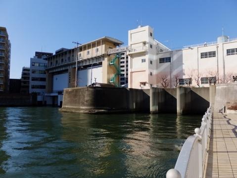 亀島川水門・排水機場