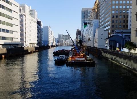 湊橋より日本橋川下流を望む